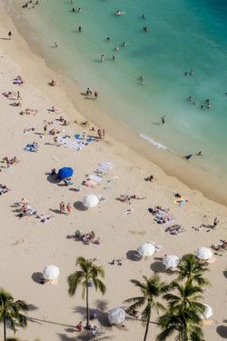 Waikiki Beach, Waikiki, Honolulu, Oahu, Hawaii by Michael DeFreitas