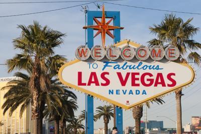 Welcome to Las Vegas Sign, Las Vegas, Nevada, USA by Michael DeFreitas