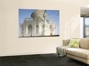 Reflection of Taj Mahal in Yamuna River by Michael Gebicki