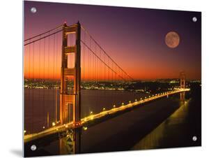 Golden Gate Bridge, San Francisco, CA by Michael Howell