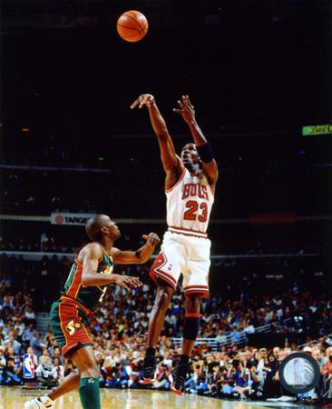 Michael Jordan Game 6 of the 1996 NBA Finals Action