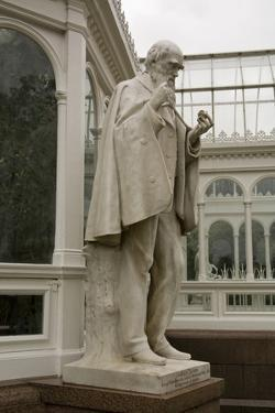 Charles Darwin Statue at Sefton Park Palm House by Michael Nicholson