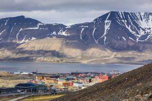 Longyearbyen, Spitsbergen Island, Svalbard Archipelago, Norway, Scandinavia, Europe by Michael Nolan