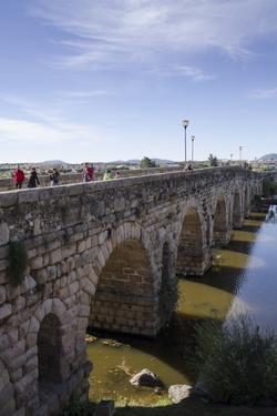 Puente Romano (Roman Bridge) in Merida by Michael