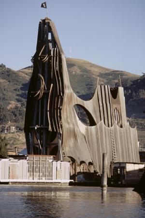 1971: View of a Sculpted Floating House Built by Chris Robert, Sausalito, California
