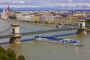 Chain Bridge across the River Danube, Budapest, Hungary, Europe by Michael Runkel