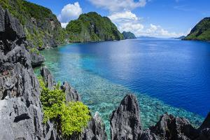 Crystal Clear Water in the Bacuit Archipelago, Palawan, Philippines by Michael Runkel