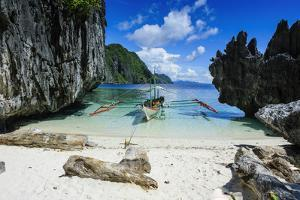 Palawan, Philippines by Michael Runkel