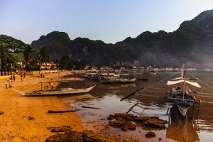 The Beach of El Nido at Sunset, Bacuit Archipelago, Palawan, Philippines, Southeast Asia, Asia by Michael Runkel