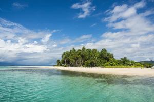 Turquoise water and white sand beach, White Island, Buka, Bougainville, Papua New Guinea, Pacific by Michael Runkel