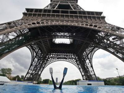 Scuba Diving under the Eiffel Tower, Paris, France