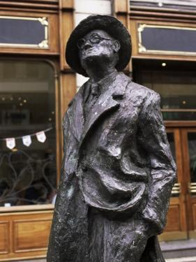 Statue of James Joyce, O'Connell Street, Dublin, Eire (Republic of Ireland) by Michael Short