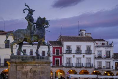 Francisco Pizarro statue in the Plaza Mayor, Trujillo, Caceres, Extremadura, Spain, Europe by Michael Snell