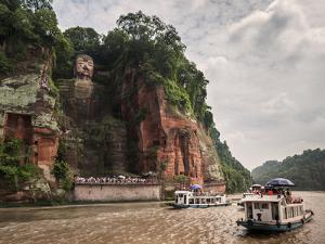 Leshan Giant Buddha, UNESCO World Heritage Site, Leshan, Sichuan Province, China, Asia by Michael Snell