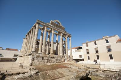 Temple of Diana in Merida, Badajoz, Extremadura, Spain, Europe by Michael Snell