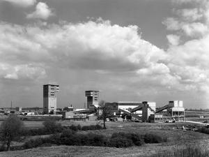 Cotgrave Colliery, Nottinghamshire, 1963 by Michael Walters