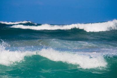 Ocean Wave by michaeljung