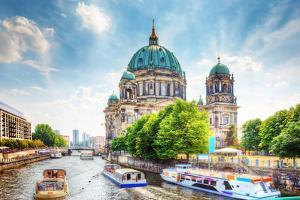 Berlin Cathedral by Michal Bednarek