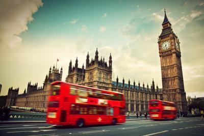 London, The Uk by Michal Bednarek