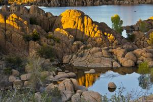 Granite Dells, Watson Lake, Prescott, Arizona, USA by Michel Hersen