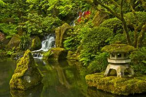 Heavenly Falls and Pagoda, Portland Japanese Garden, Oregon, Usa by Michel Hersen