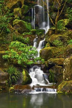 Heavenly Falls, Portland Japanese Garden, Portland, Oregon, Usa by Michel Hersen