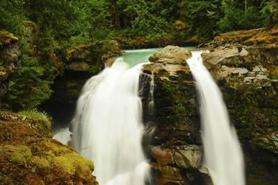 Hooksack Waterfalls, Mount Baker-Snoqualmie National Forest, Washington, USA