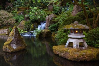 Lit Pagoda, Portland Japanese Garden, Portland, Oregon, USA, Pr