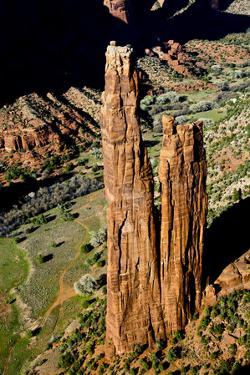 Spider Rock Viewpoint and Canyon de Chelly River, Chinle, Arizona by Michel Hersen
