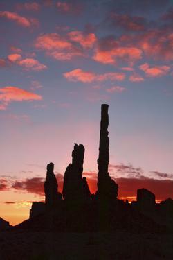Sunrise, Yei Bi Chei and Totem Pole, Monument Valley, Arizona by Michel Hersen