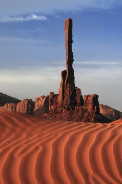Yei bi chei, Monument Valley, Arizona, USA by Michel Hersen