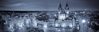Czech Republic, Prague, Stare Mesto (Old Town), Old Town Square and Church of Our Lady before Tyn