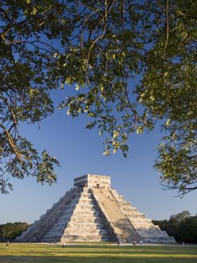 El Castillo, Chichen Itza, Yucatan, Mexico by Michele Falzone