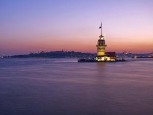 Kizkulesi, Istanbul, Turkey by Michele Falzone
