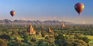 Myanmar (Burma), Temples of Bagan (Unesco World Heritage Site) by Michele Falzone