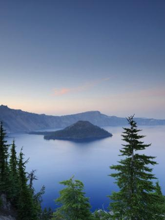 Oregon, Crater Lake National Park, Crater Lake and Wizard Island, USA