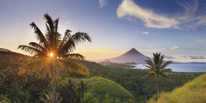 Philippines, Southeastern Luzon, Bicol, Mayon Volcano by Michele Falzone