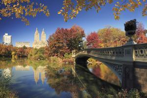 Usa, New York City, Manhattan, Central Park, Bow Bridge by Michele Falzone