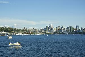 Usa, Washington State, Seattle. Lake Union and Downtown view from Gas Works Park by Michele Molinari
