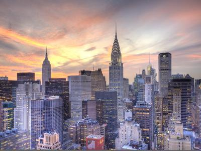 https://imgc.allpostersimages.com/img/posters/midtown-skyline-with-chrysler-building-and-empire-state-building-manhattan-new-york-city-usa_u-L-PXT92H0.jpg?p=0