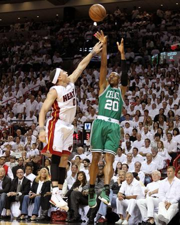 Boston Celtics v Miami Heat - Game Two, Miami, FL - MAY 03: Ray Allen and Mike Bibby by Mike Ehrmann