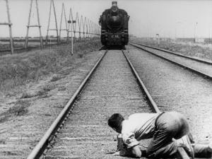 Mikhail Kaufman: Chelovek S Kino-Apparatom, 1929