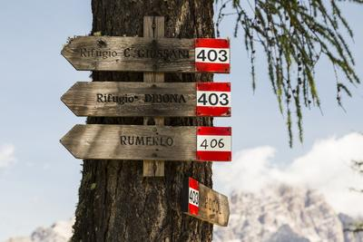 Europe, Italy, Alps, Dolomites, Mountains, Veneto, Belluno, Cortina d'Ampezzo, Pocol