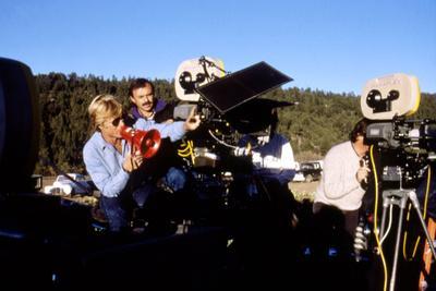 https://imgc.allpostersimages.com/img/posters/milagro-1987-directed-by-robert-redford-on-the-set-robert-redford-photo_u-L-Q1C3LRW0.jpg?artPerspective=n