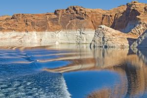 Lake Powell by milleriumarkay