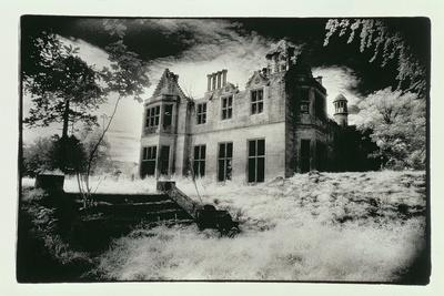 https://imgc.allpostersimages.com/img/posters/milton-lockhart-house-lanarkshire_u-L-PUSW1D0.jpg?p=0