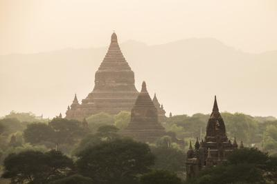 https://imgc.allpostersimages.com/img/posters/mingalazedi-pagoda-at-the-temples-of-bagan-pagan-at-sunset-myanmar-burma-asia_u-L-Q12SCKC0.jpg?artPerspective=n