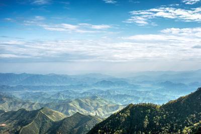 https://imgc.allpostersimages.com/img/posters/misty-mountain-chains-as-seen-from-tian-mu-shan-peak-zhejiang-china_u-L-PWFECJ0.jpg?p=0