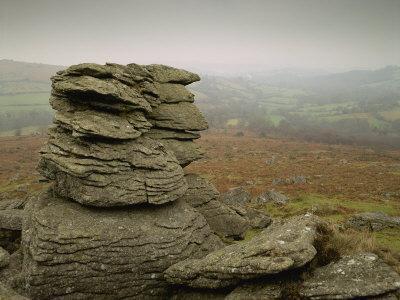 https://imgc.allpostersimages.com/img/posters/misty-view-at-hound-tor-dartmoor-south-devon-england-united-kingdom-europe_u-L-P7NHFK0.jpg?p=0