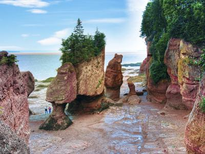 Lovers Arch and Bear Rock Sea Stacks, Hopewell Rocks Bay, Hopewell Cape, New Brunswick, Canada by Miva Stock